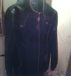 Куртка кожаная черная демисезонная
