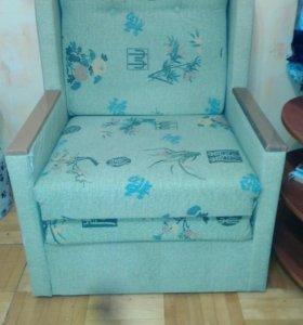 Мягкое кресло- кровать.