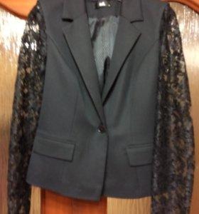 Пиджаки 4 шт. стильные нарядные новые р. 46