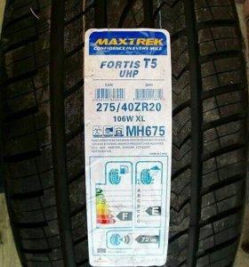 275/40/20 Maxtrek Fortis