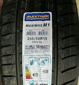 255/50/19 Maxtrek Maximus