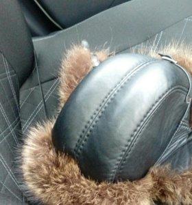 Зимняя кожаная шапка ушанка с натуральным мехом