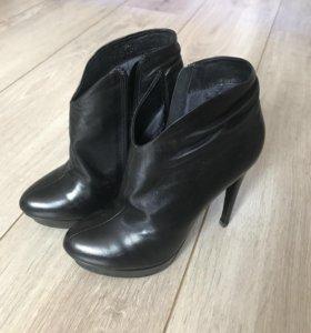 Обувь на каблуке 37р.