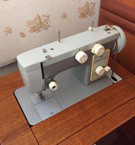 Швейная машинка 142 М торг уместен