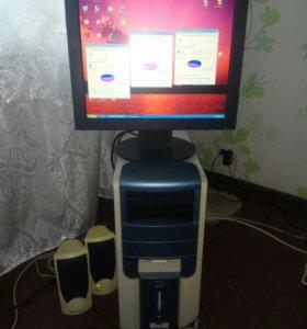 Компьютер, монитор, клавиатура и колонки