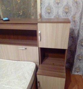 Кровать+две тумбочки