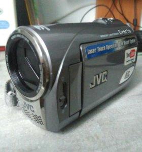 Видеокамера JVC everio