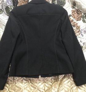 Пиджак новый школьный