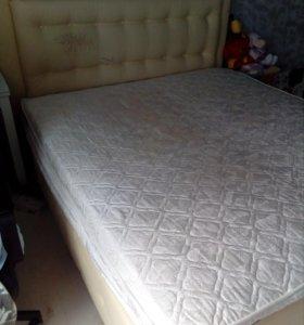 Кровать c матрасом