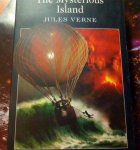 """Книга на английском языке """"The Mysterious Island"""""""