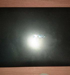 Ноутбук- ASUS