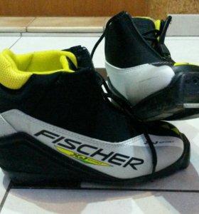 Ботинки р35 для беговых лыж