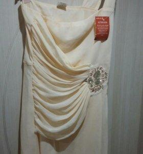 Платье 44 размер новое