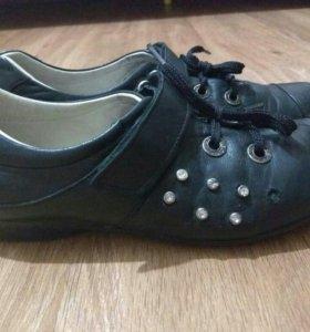 Ботинки кожаные весна-лето для девочки 36 размер