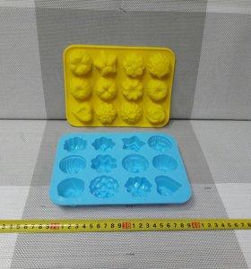 Силиконовая форма для выпечки 12 кексов