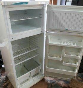 Двух камерный холодильник стинол