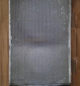Радиатор охлаждения двигателя Audi A6 C5