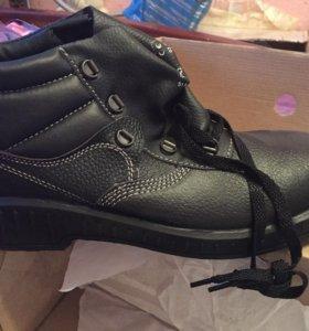 Новые рабочие ботинки