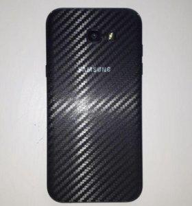 Карбоновая пленка на Samsung Galaxy A7 2017