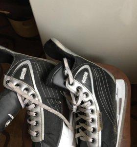 Хоккейные коньки детские 38-го размера