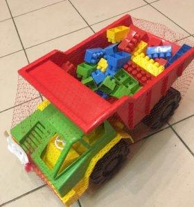 Машина с конструктором