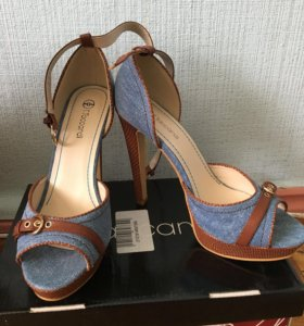 Женские туфли. Новые