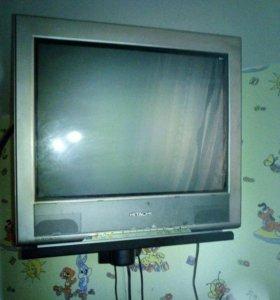 Телевизор Hitachi (+БЕСПЛАТНО DVDплеер)!