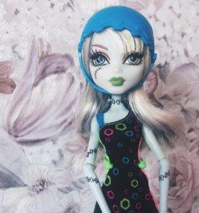 Кукла Monster High в хорошем состоянии