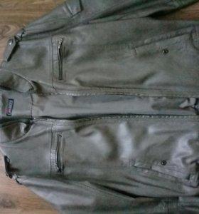 Мужская серая куртка экокожа размер 50 фирмы Bata
