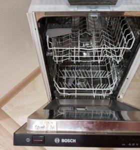 Встраиваемая посудомоечная машинка