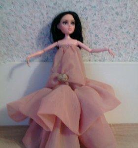 Легкое платье на Мокси Тинс
