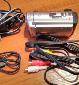 Видеокамера Sony DCR-SX44E