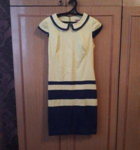 Платье женское(в отличном состоянии)