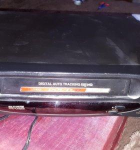 Видеомагнитофон+ кассеты