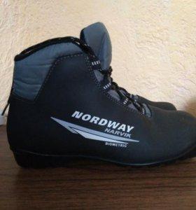 Лыжные ботинки р.39