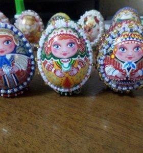 Пасхальные яйца оплетённые бисером (матрёшки)