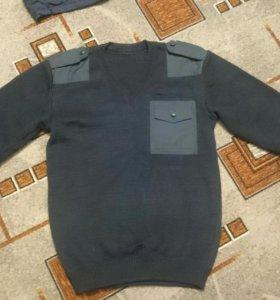 Продам новый шерстяной свитер