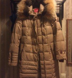 Куртка зимняя с воротником из меха 46-48, новая.