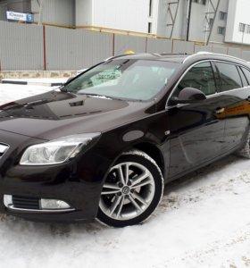 Opel 2012 2.0 AT 220 лс