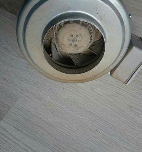 Промышленный канальный вентилятор ВЕНТС ВКМц 125