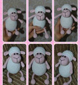 Вязаная овечка из хлопка и плюша вналичии
