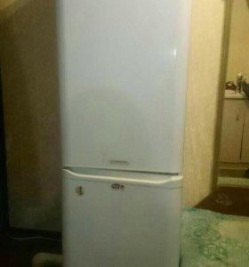 Холодильник Аристон б/у