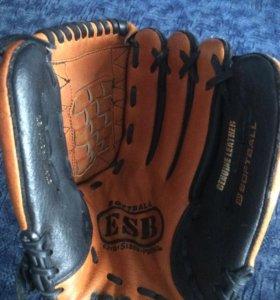 Бейсбольная перчатка Wilson