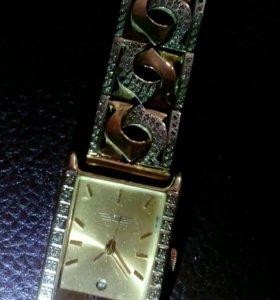 Часы зототые с бриллиантами,продажа или обмен