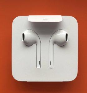 Оригинальные Apple EarPods с разъёмом Lightning