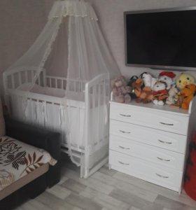 Кроватка + комод + бортики продам