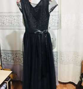 Продам новое платье 42-44 размер