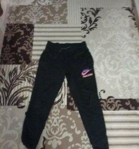 Nike штаны зауженные размер М