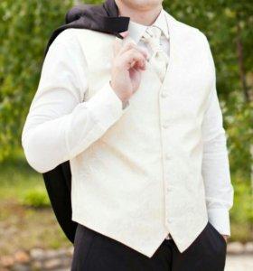 Жилетка для свадебного костюма жениха