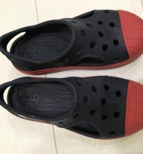 crocs 11C